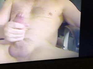 Muscle daddy jerking his huge thick cock